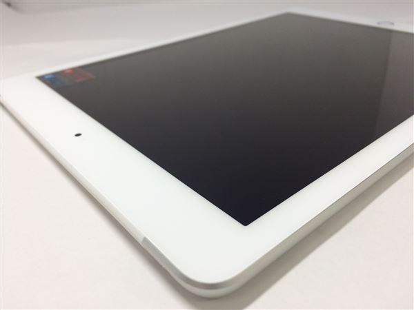 【中古】【安心保証】 docomo 9.7iPad 5[セルラー32G] シルバー