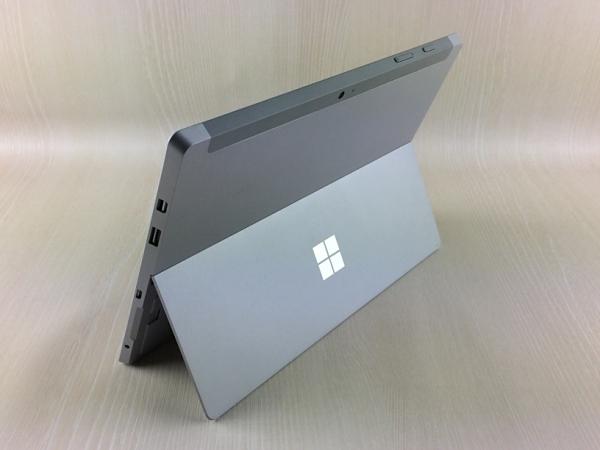 【中古】【安心保証】 Surface3[WiFi64Gオフィス無] シルバー