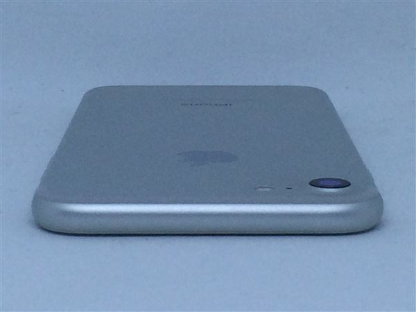 【中古】【安心保証】 au iPhone7[32G] シルバー