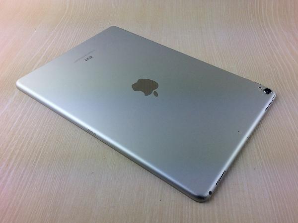 【中古】【安心保証】 10.5iPadPro 2[WiFi64G] シルバー