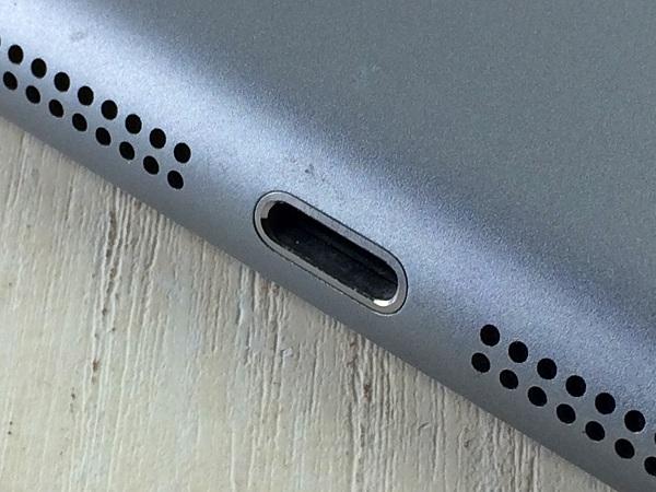 【中古】【安心保証】 docomo iPadmini3[WiFi+4G 16] グレイ