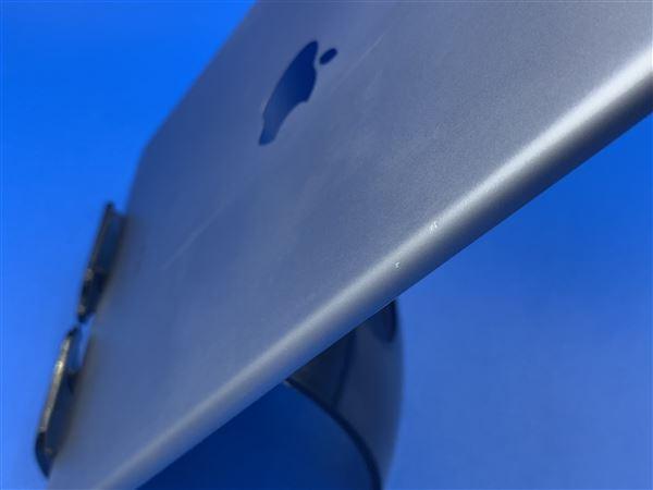 【中古】【安心保証】 iPadAir-9.7_2[WiFi64G] グレイ